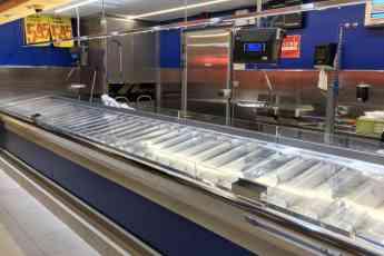 Mostrador en acero inoxidable de un supermercado Gadis