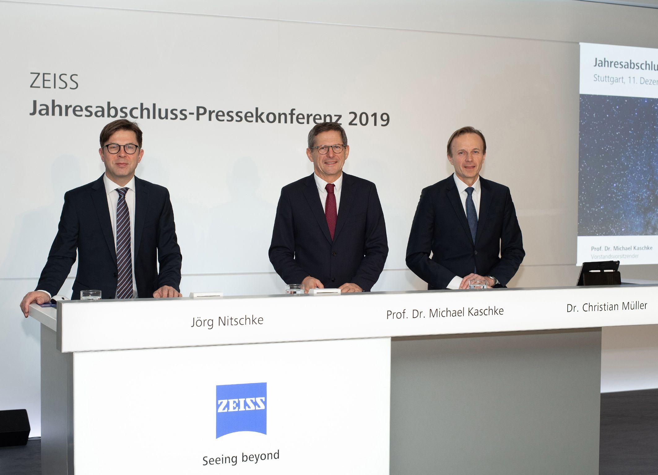 Foto de CFO Dr. Christian Müller, CEO Prof. Dr. Michael Kaschke und