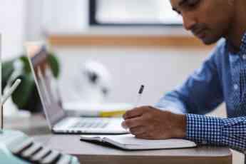 Inteligencia Artificial contra el absentismo laboral