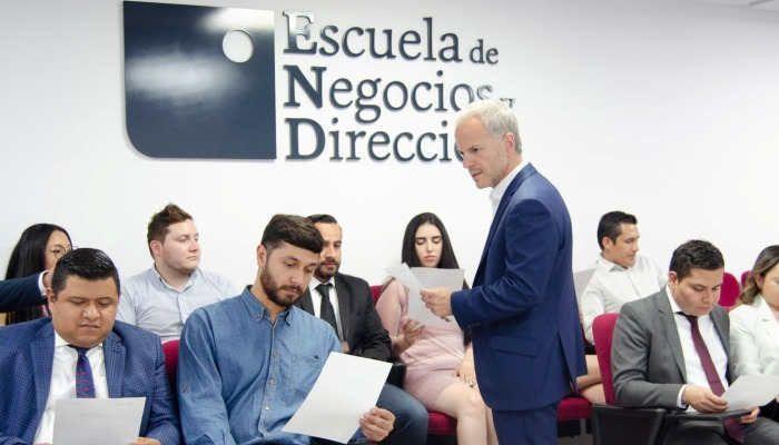 Foto de Escuela de Negocios y Dirección