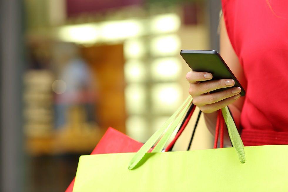 Foto de Una aplicación de voz permite comprar ropa térmica