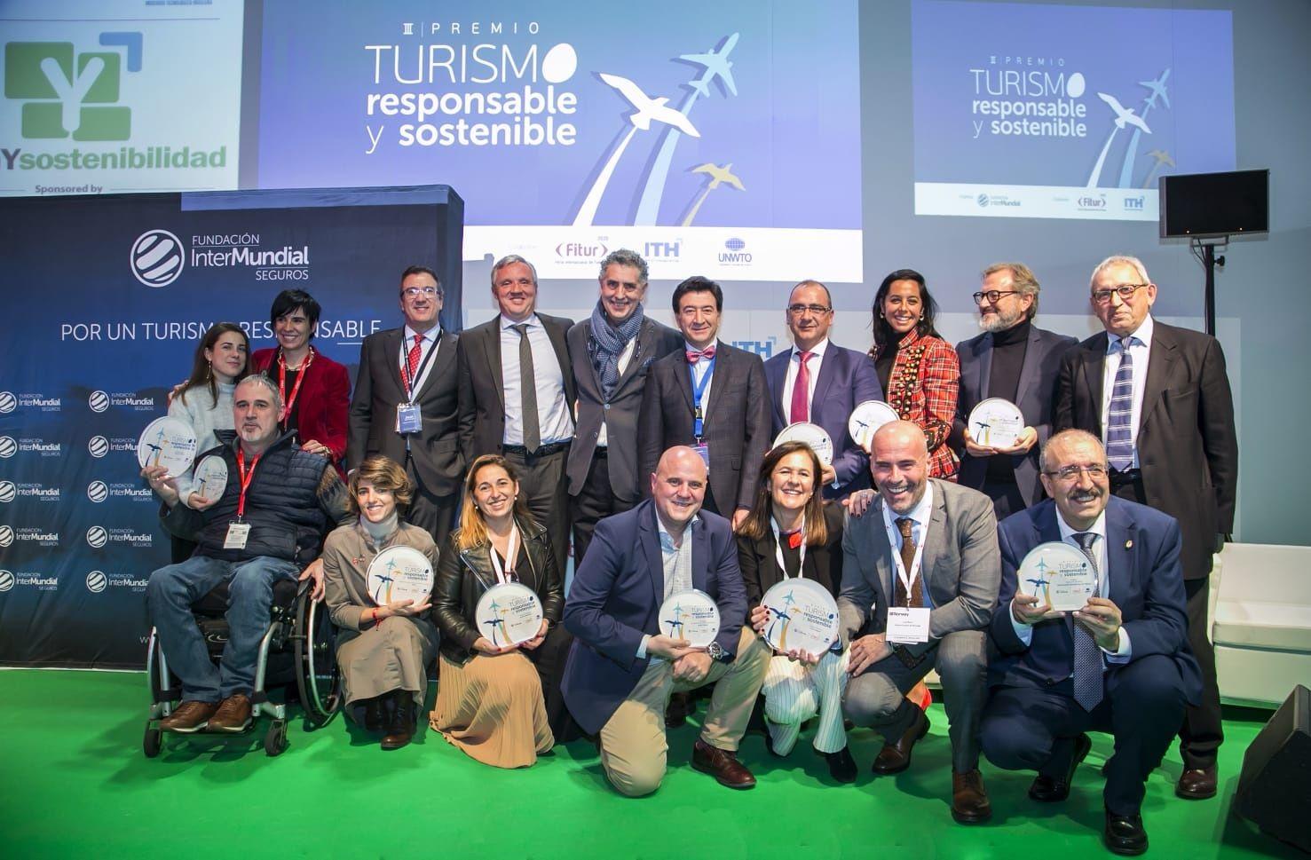 Foto de Ganadores y finalistas del III Premio Turismo Responsable y