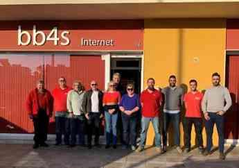 Foto de Parte del equipo de la operadora malagueña Rebeloak
