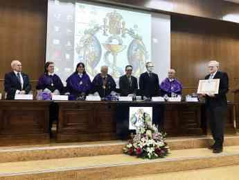 El presidente del COFG, Miguel Ángel Gastelurrutia, recogió el premio en un acto oficial organizado en Granada.