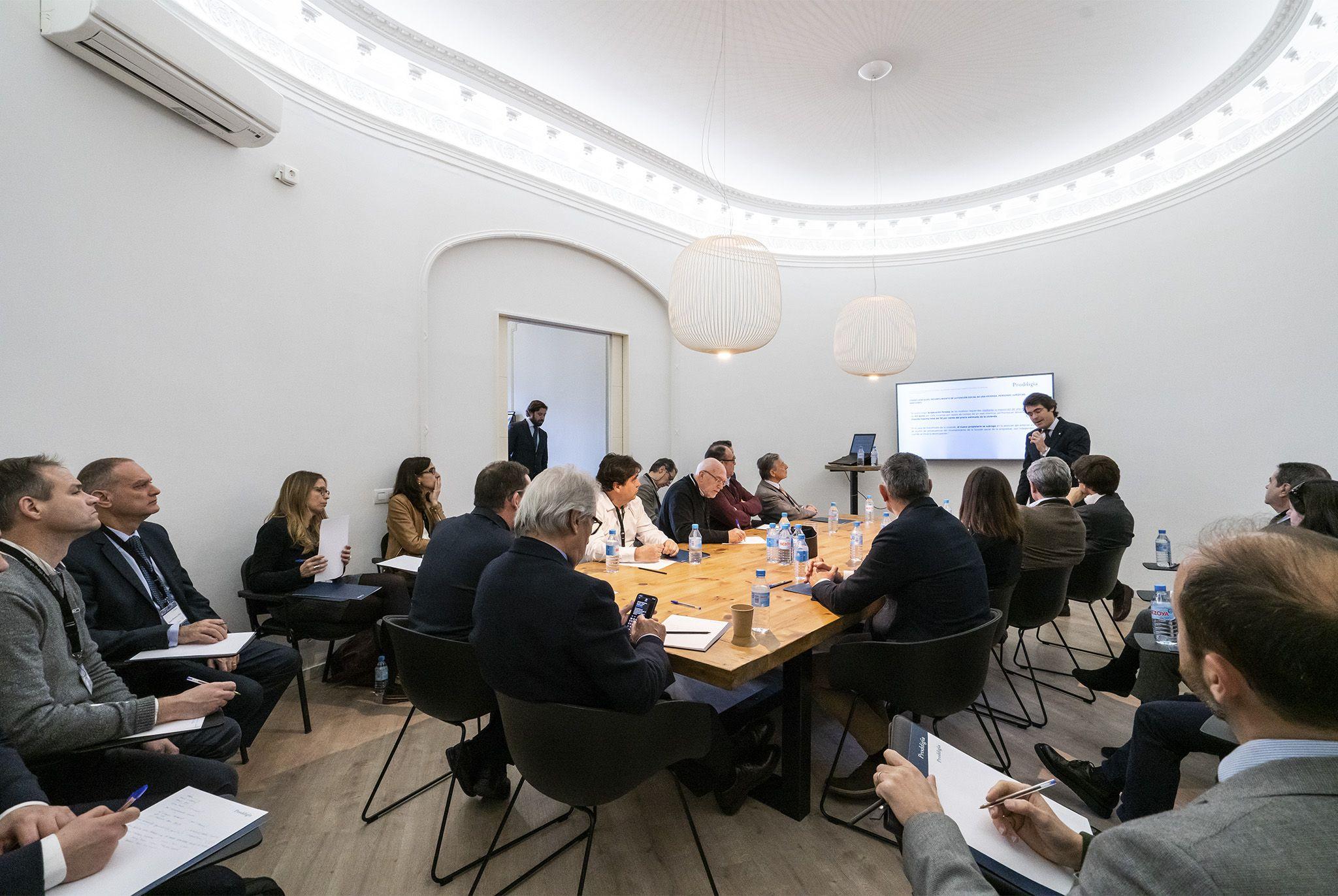 Foto de Conferencia de urgencia con patrimonialistas e inversores
