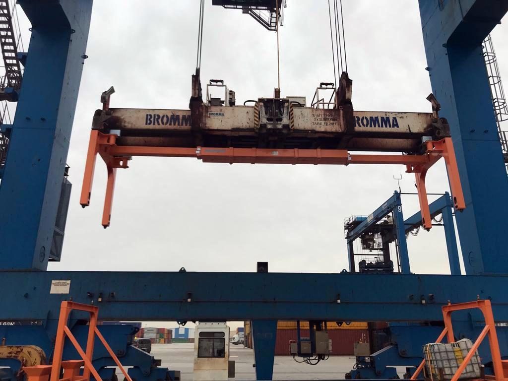 Zeuko entrega 3 prolongadores para STS a Cosco SP en el Puerto de Bilbao