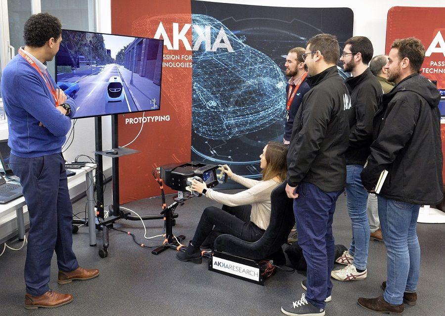Foto de Presentación de AKKA en Seat