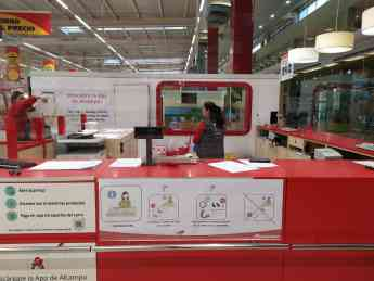 Foto de Alcampo incluye pictogramas en sus tiendas para informar a