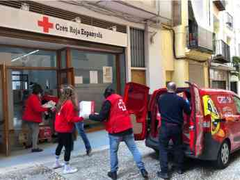 FOTO 1_GREFUSA COLABORA CON CRUZ ROJA PARA LA DONACIÓN DE ALIMENTOS A LAS FAMILIAS MÁS VULNERABLES POR EL COVID-19