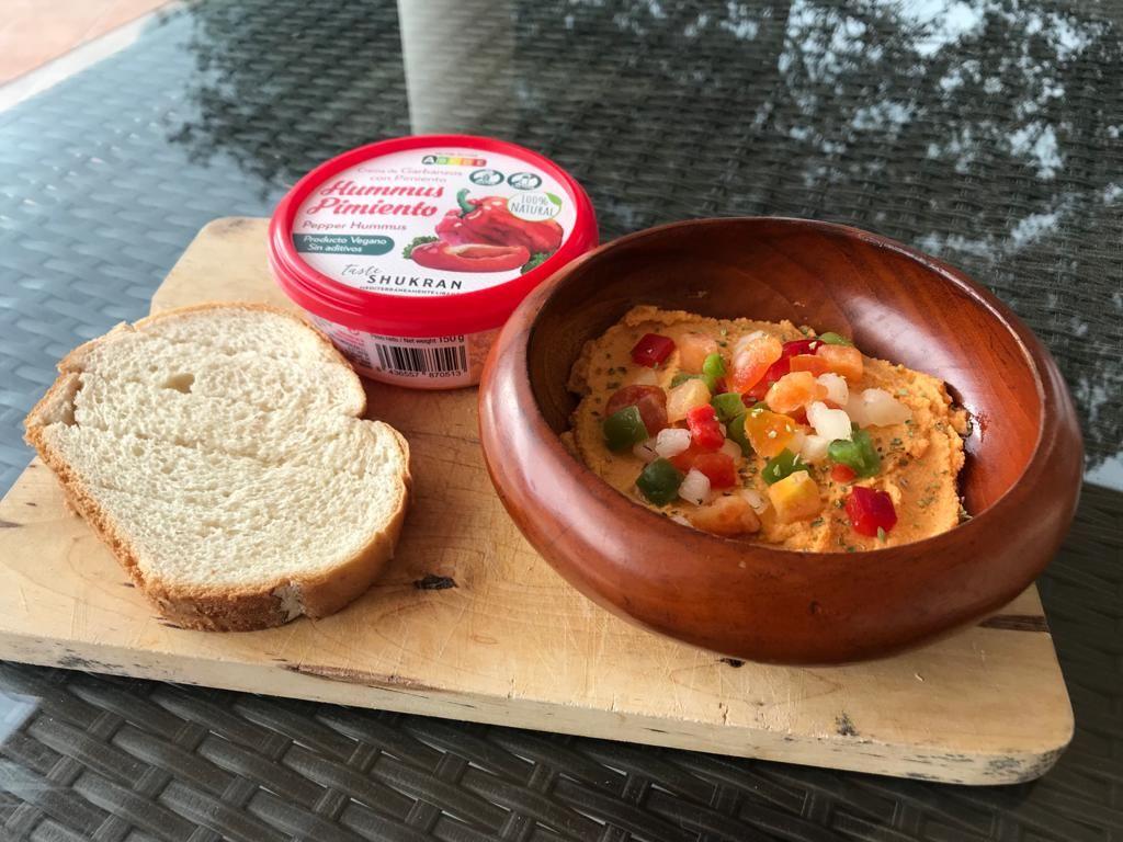 Foto de Hummus de pimiento con verduras