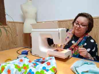 La costura de Manoli emprendedora Zamorana
