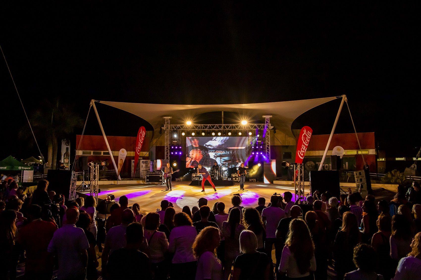 Foto de Grupo Salvapantallas en escenario