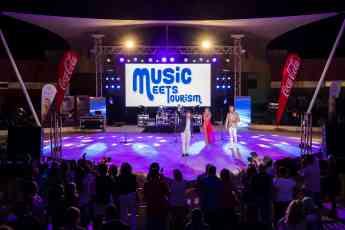 Foto de Actuacion del Cantante Luis Muñoz