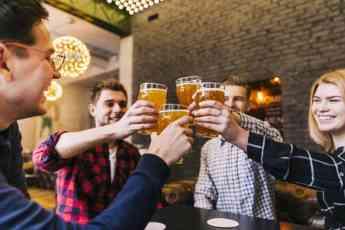Los hosteleros afirman que 9 de cada 10 bares cerraron durante el primer mes del estado de alarma