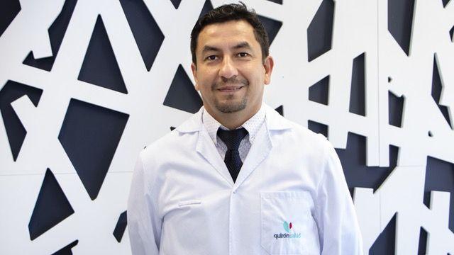 Foto de En la imagen Hector Fariña, oftalmólogo de Policlínica