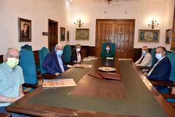 Ayuntamiento de Talavera, COACM y otros dos colegios oficiales firman un convenio por el que se les dará acceso a la cartografía