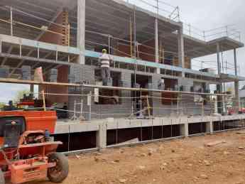 Foto de Imagen de archivo de una construcción en CLM
