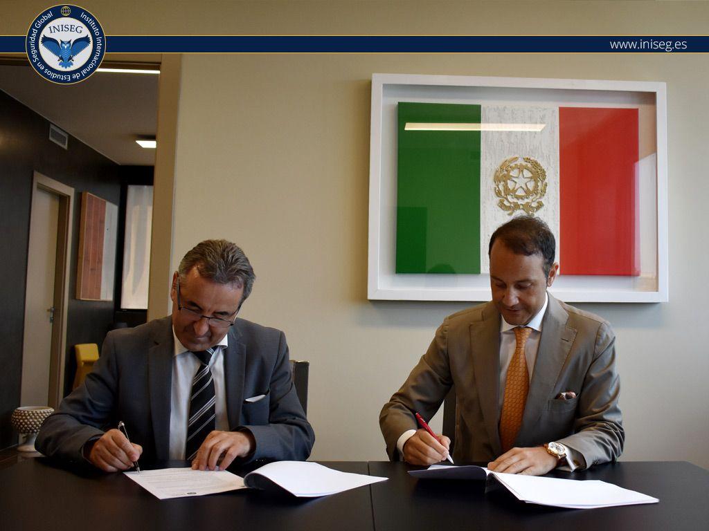 Foto de Presidente de INISEG, Manuel Gonzalez Folgado, y Rector de