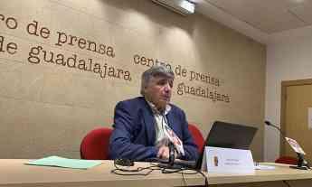 Foto de Eugenio Esteban, presenta el proyecto de ampliación de la