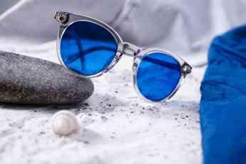 Foto de AdaptiveSun® son lentes solares que permiten la adaptación