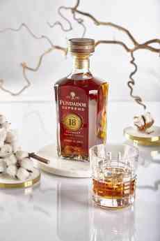 Foto de Fundador Supremo 18 - El Mejor Brandy del Mundo