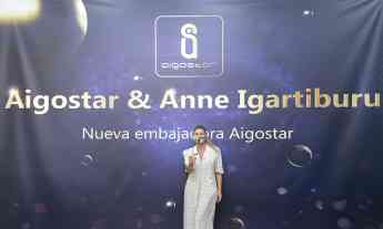 Foto de Aigostar y Anne Igartiburu