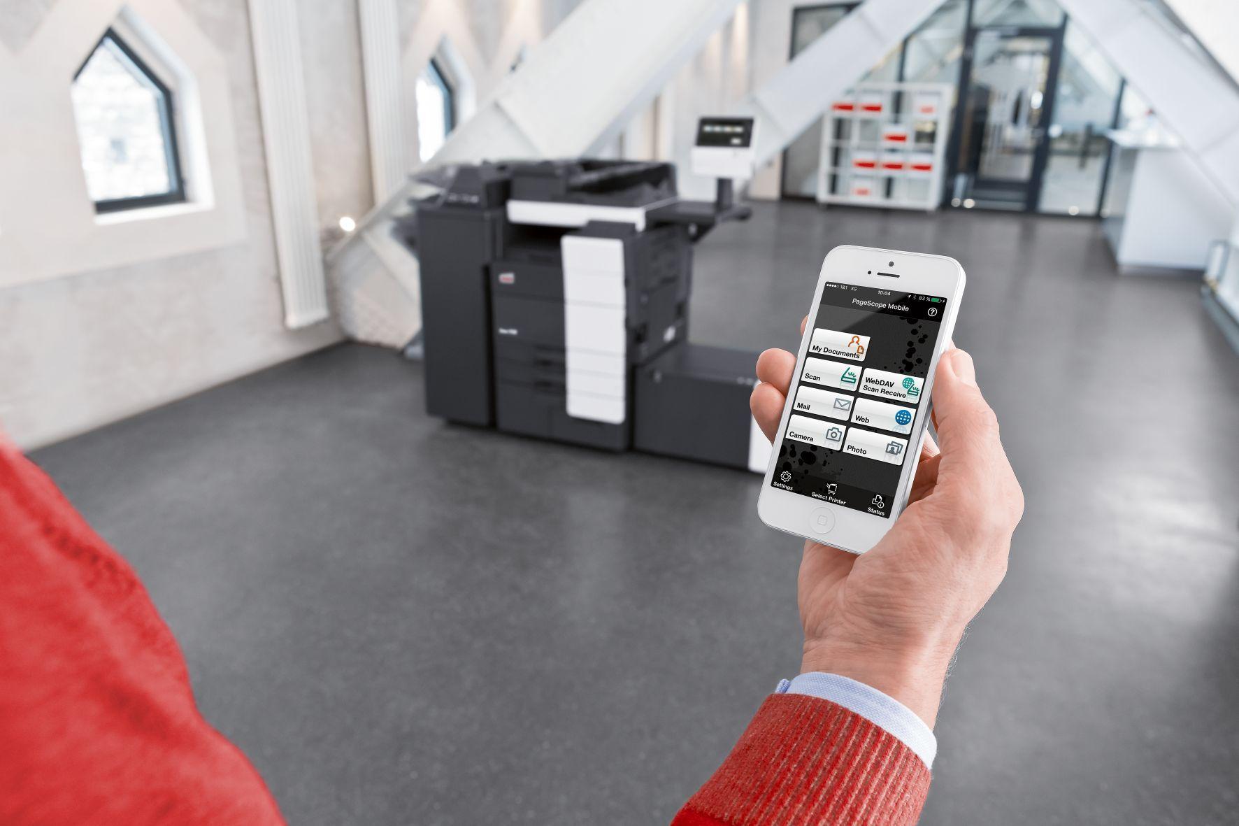 Fotografia Imprimiendo desde el móvil con una multifuncional DEVELOP