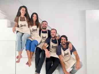 Emilio Viguera, director general de foodStories (en el centro) junto al resto de confundadores de la compañía.