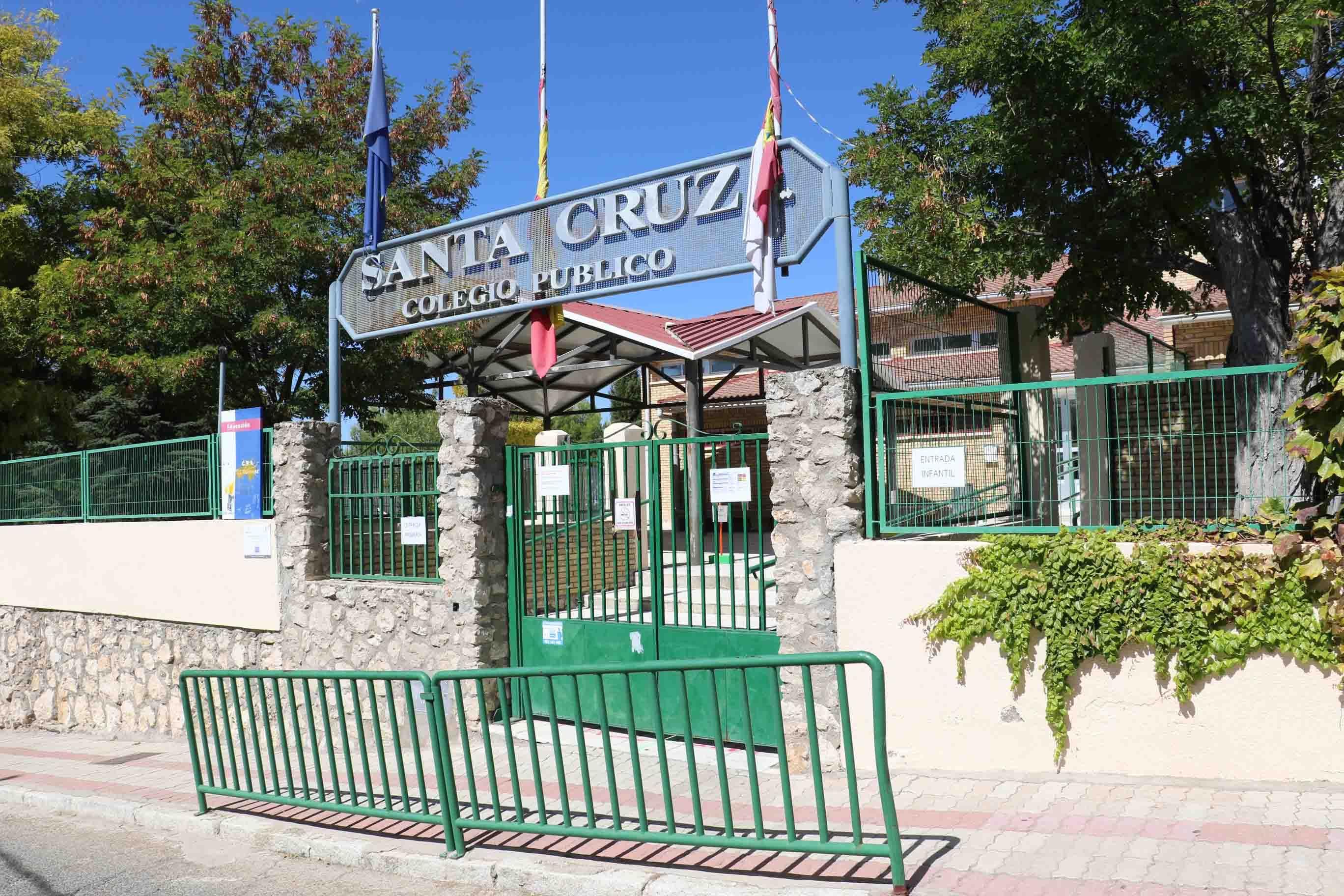 Foto de Colegio Santa Cruz, de Albalate