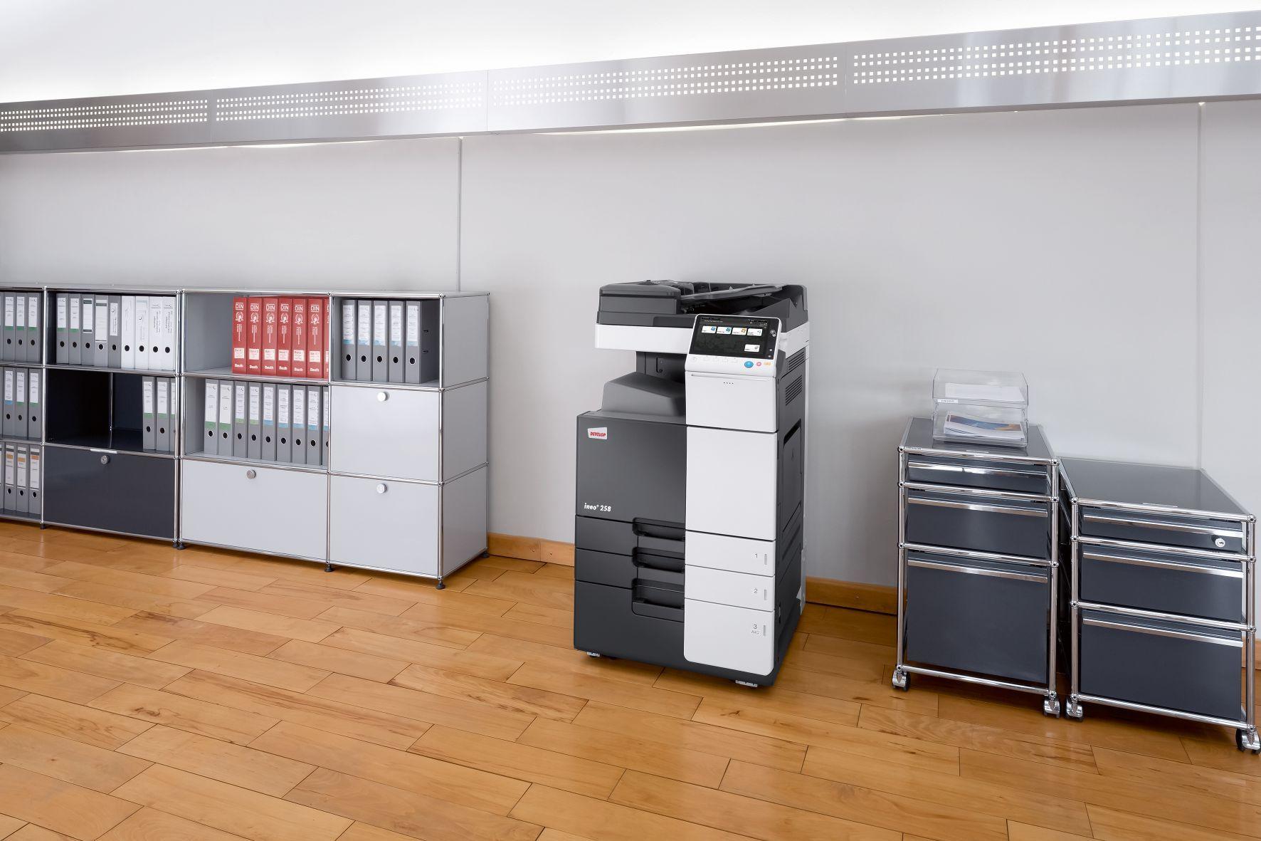 Fotografia Impresora DEVELOP en oficina