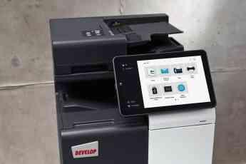 Foto de La gran pantalla de las impresoras DEVELOP facilita el