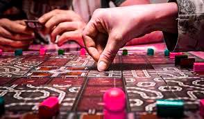 Los juegos de mesa, el mejor entretenimiento para las reuniones familiares por JuegosDeMesa.cc
