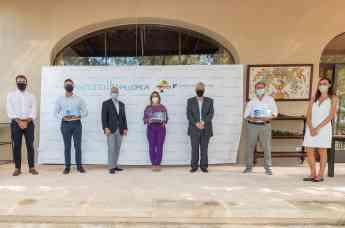 Junta Directiva de Essentially Mallorca (EM) y ganadores