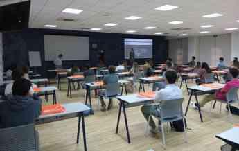 Clase inicio de curso en área universitaria