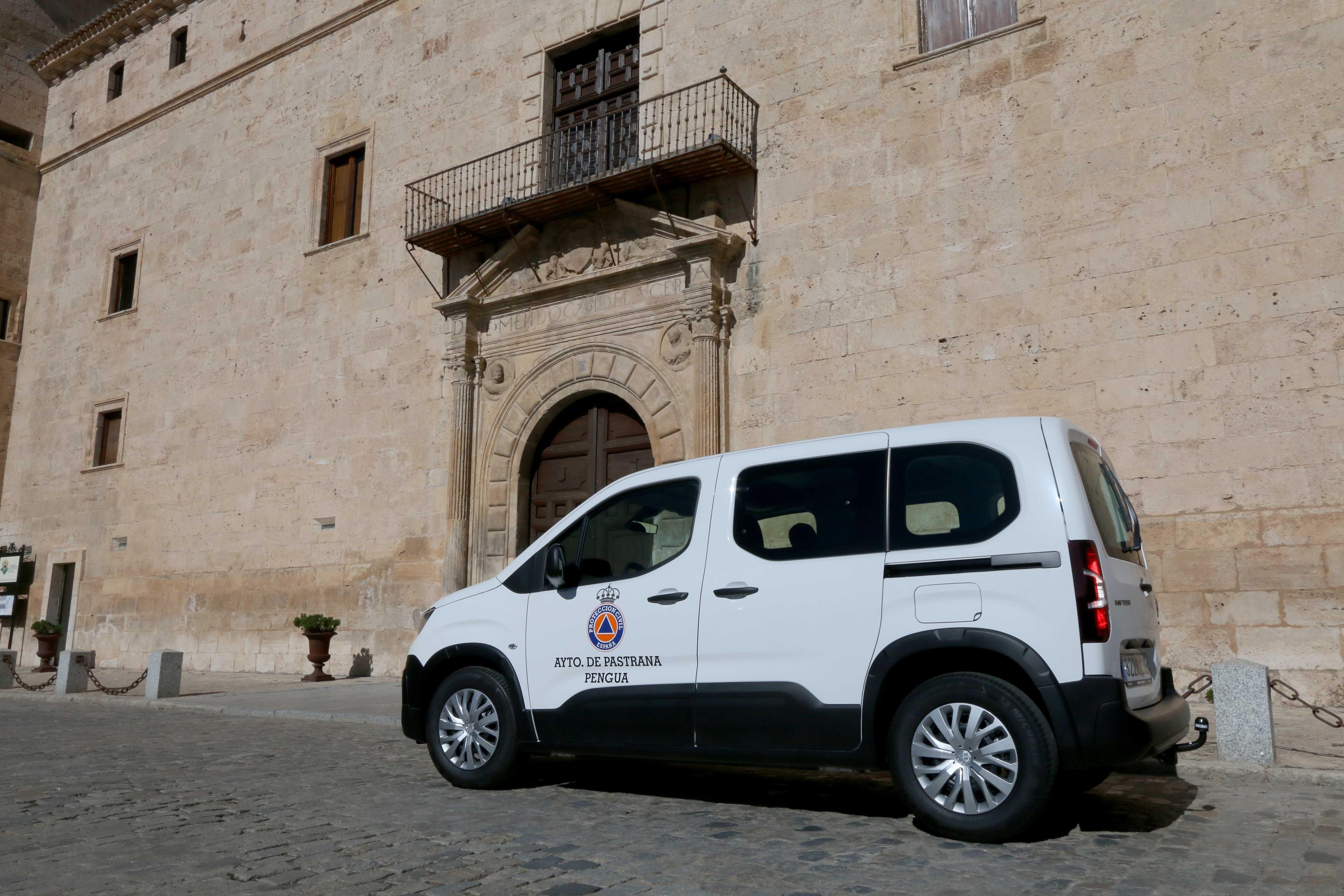Foto de Nueva furgoneta Ayuntamiento Pastrana