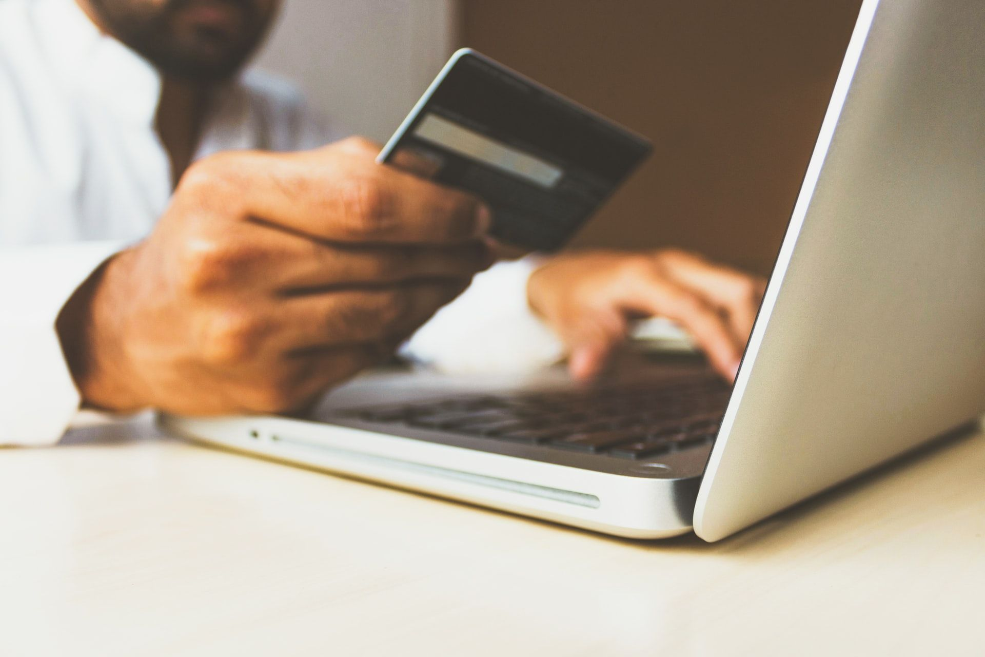 La pandemia ofrece una oportunidad para los negocios digitales. Tiendas y Academias se reinventan