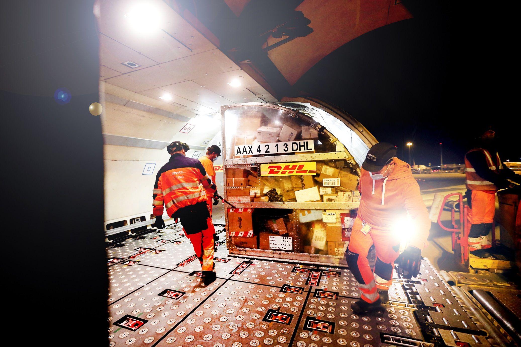 Foto de Operación de carga aérea de DHL Express