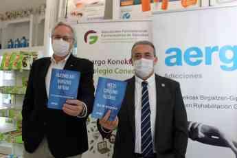 De izda. a dcha. Miguel Ángel Gastelurrutia, presidente del COFG y