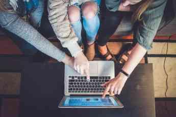 Crece la demanda de estudios de marketing digital, la publicidad de