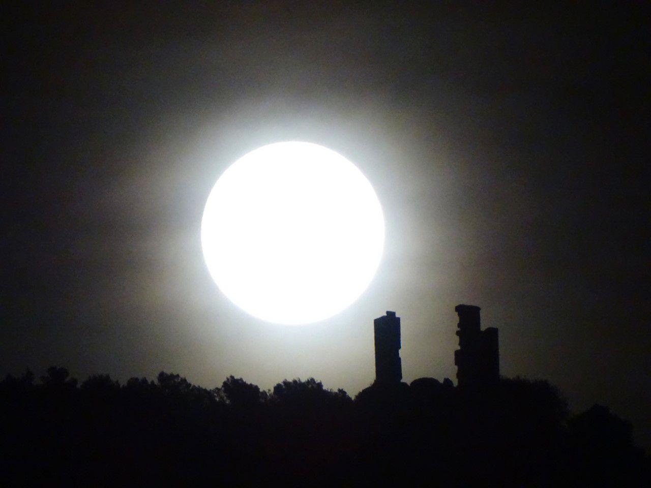 Foto de 'Iluminación lunar', de María Toledano, mejor foto