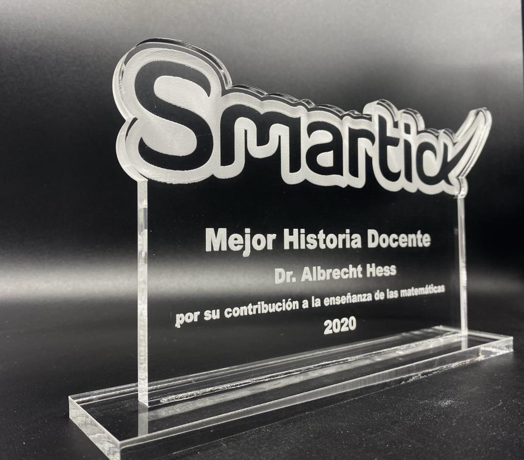 alt - https://static.comunicae.com/photos/notas/1220046/1606314685_Trofeo_Premio_Smartick_a_la_Mejor_Historia_Docente_2020.jpg