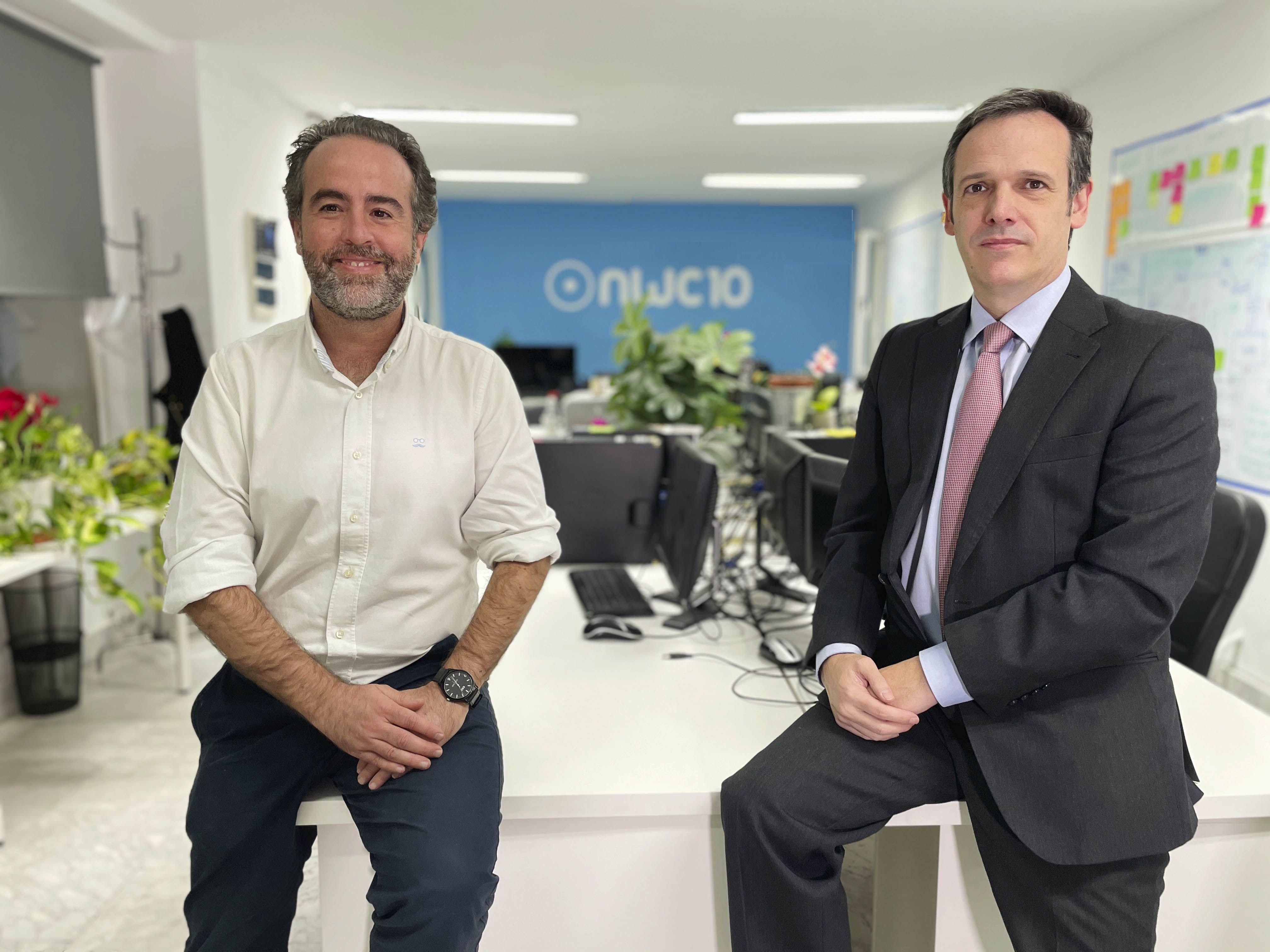 Foto de Tomás García-Merás y José Luis Cáceres en NWC10Lab Talks