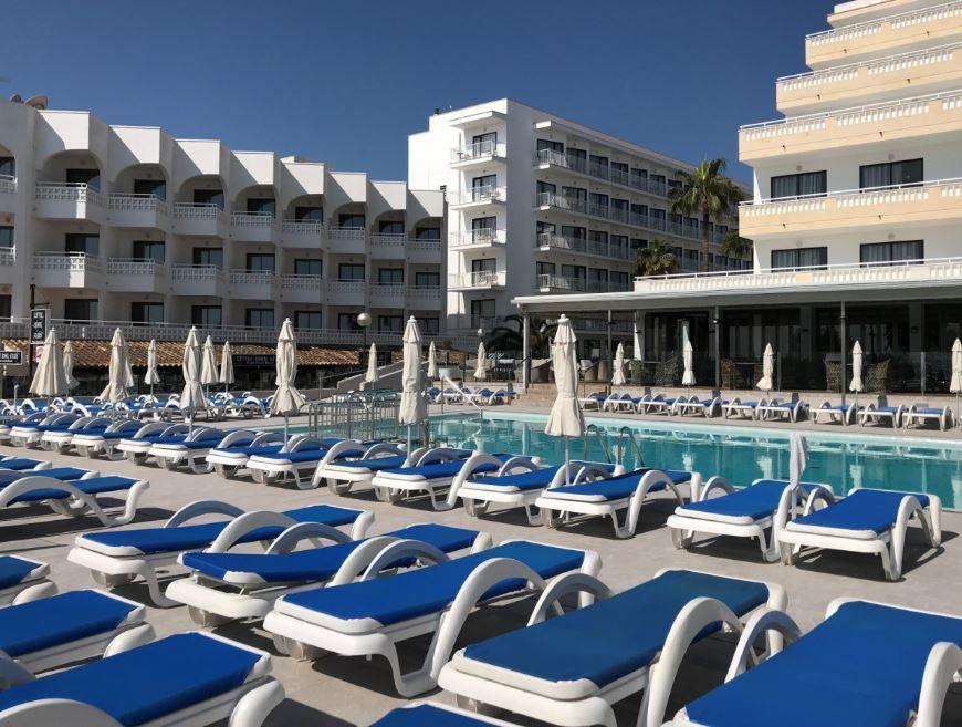 R2 Hotels