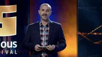 Claudio Serrano, presentador de la gala Fun and Serious 2020
