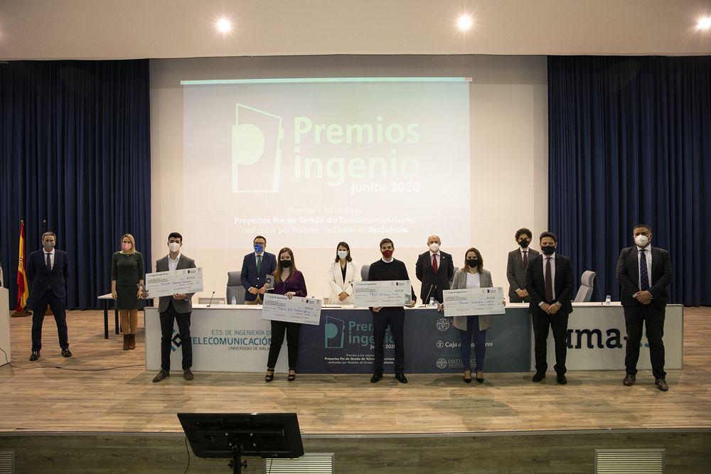 Fotografia Foto de familia Premios Ingenio Junior