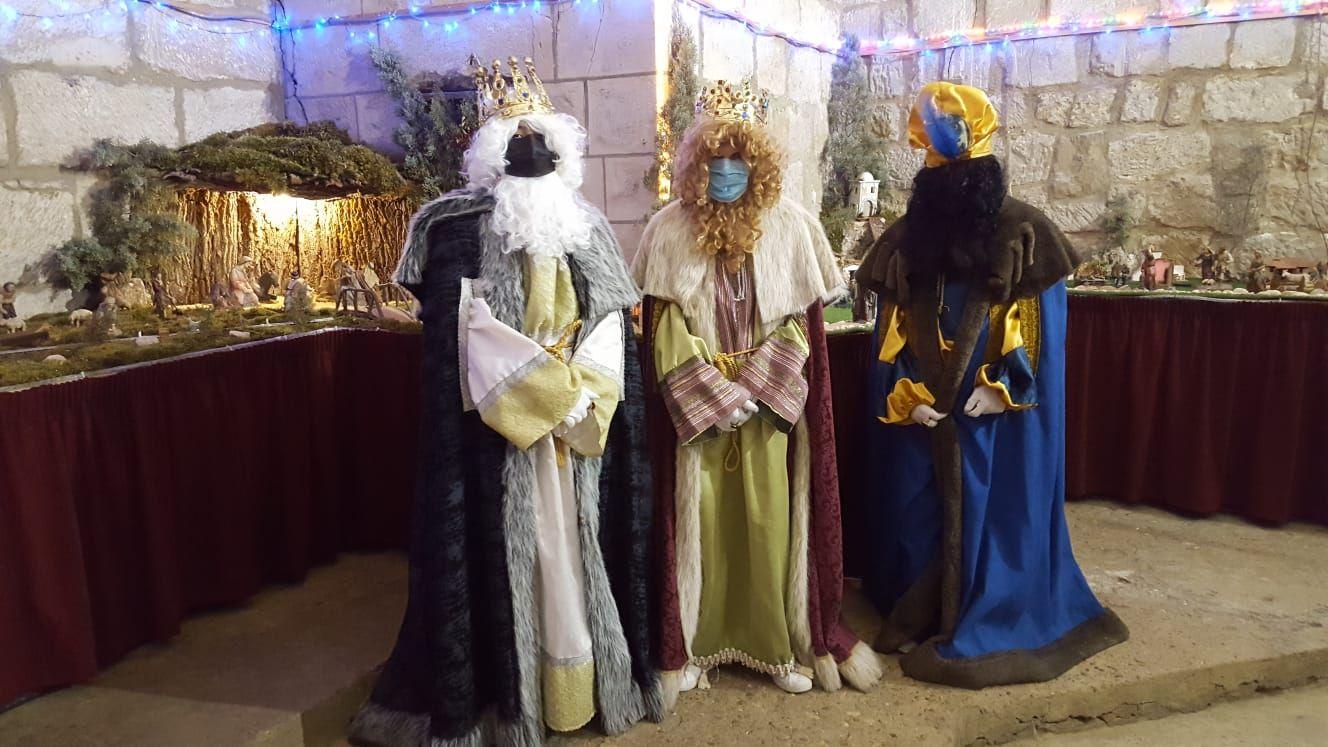 Melchor, Gaspar y Baltasar despidieron la Navidad parejana en la Misa de Reyes