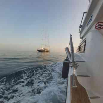La experiencia más completa con Lovit Charter Puerto Banús