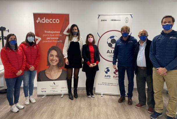 Foto de Adecco Outsourcing y la AJJFS firman un acuerdo para mejorar