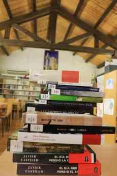 La Biblioteca de Fuentenovilla consulta a sus socios para la
