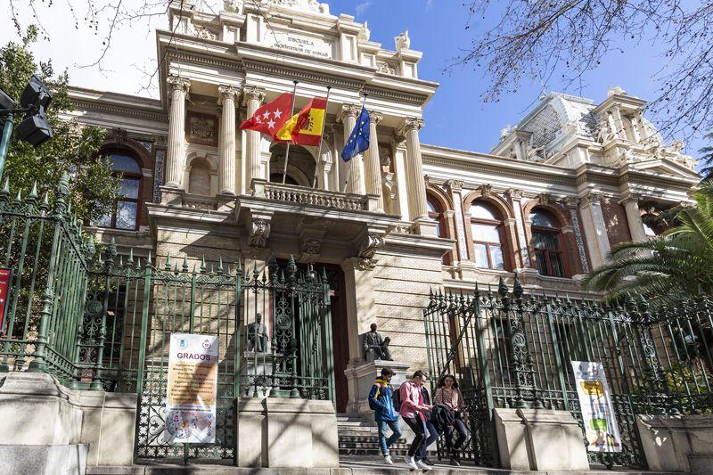 Fotografia Edificio Histórico de la Escuela de Minas y Energía de